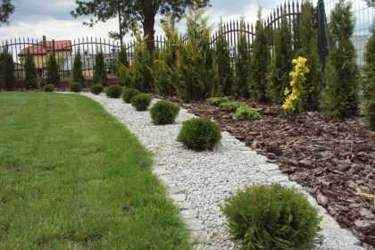 Kamień naturalny w ogrodzie