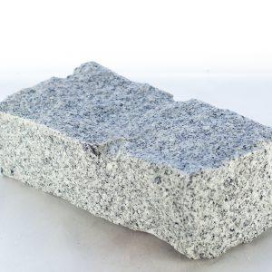 Granit łupany na elewacje i do ogrodu szara